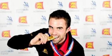 Alexis NUE, médaillé d'Or en Menuiserie